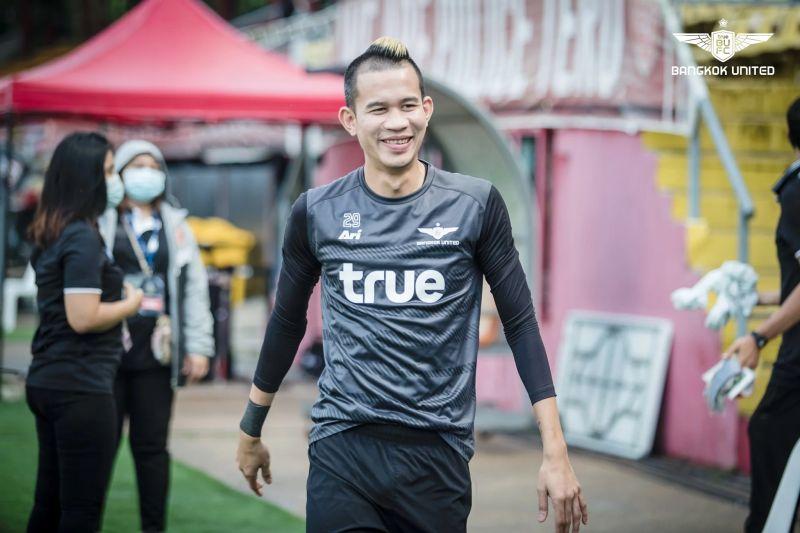 """ฟุตบอลไทย: ห้องเครื่องจอมเก๋า! ราชบุรีฯ ประกาศคว้าตัว """"สรรวัชญ์"""" เสริมเกมแดนกลาง 1 ฤดูกาล !"""